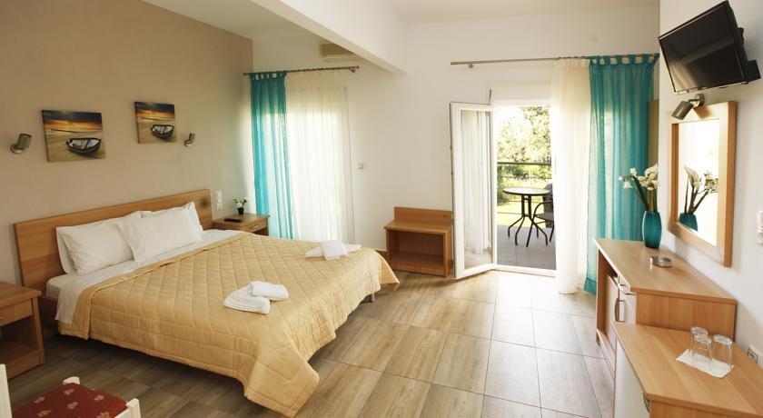 Christa Hotel (Limenas)