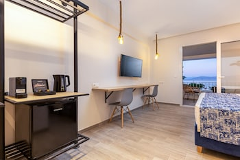 Roussos Studios
