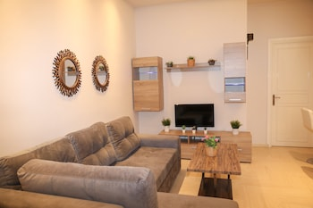 Chrissomallis Apartments