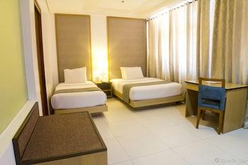 Crown Regency Courtyard Resort