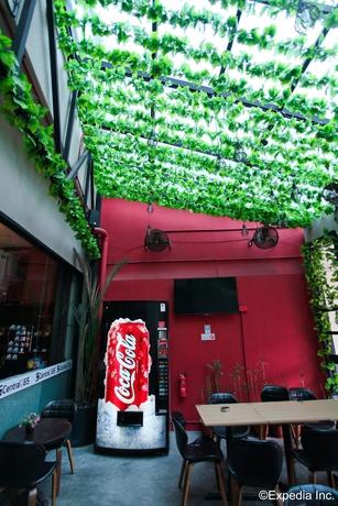 Central 65 Cafe