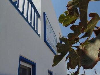 Heliotropio Studios And Apartments