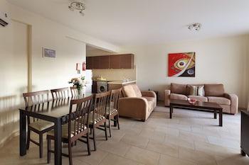 Chloraka Terrace Apartments