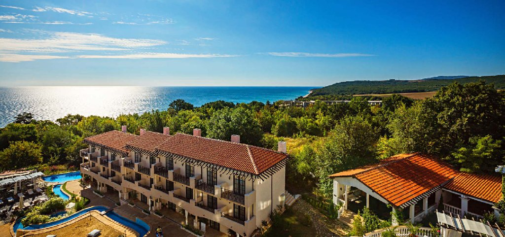 Cliff Beach Resort and Spa