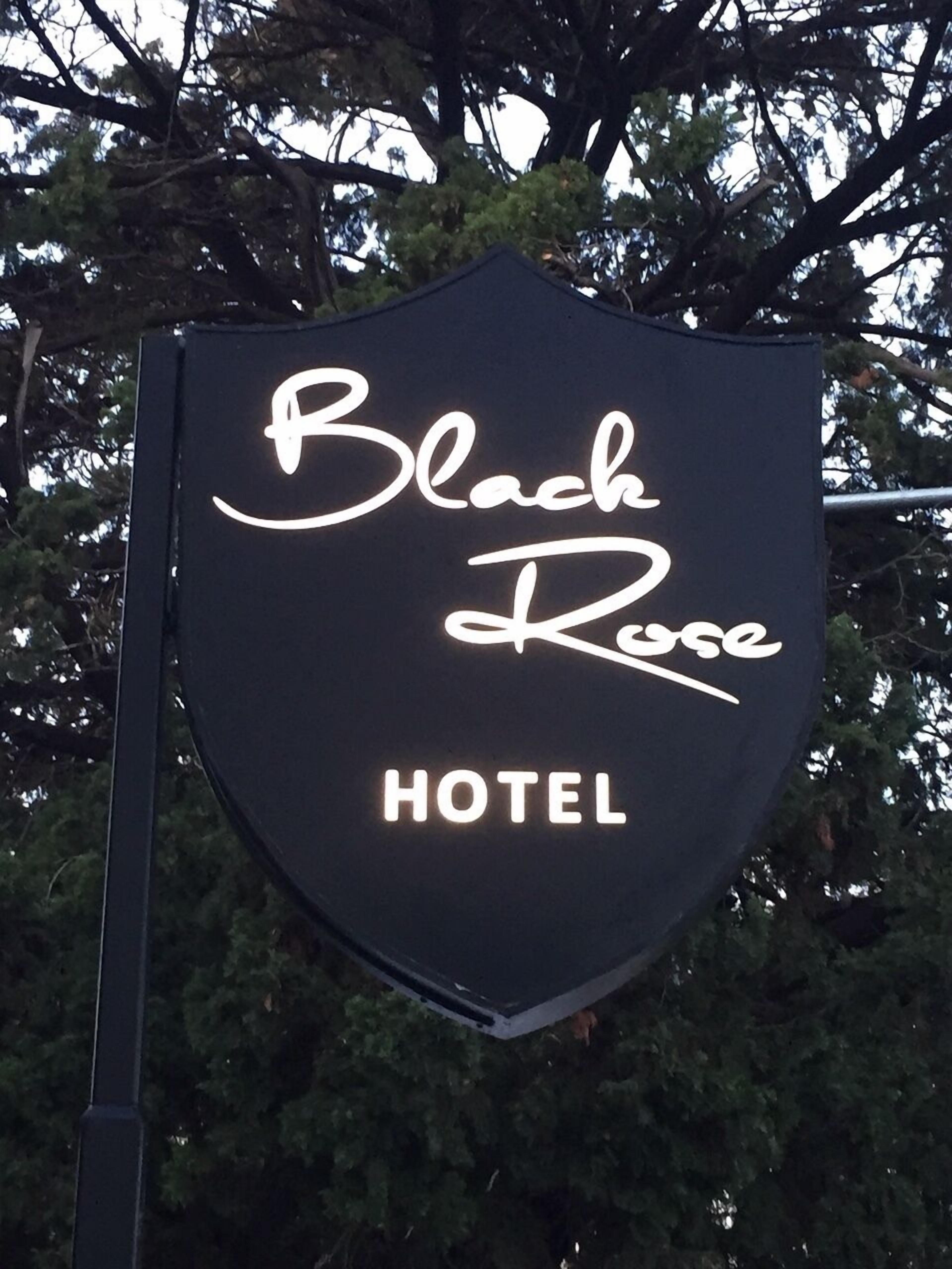 Black Rose Hotel And Suites