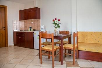 Lina Apartments
