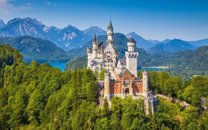 AUSTRIA si Castelele BAVARIEI Avion