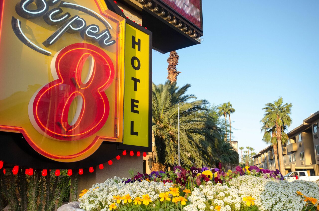 Super 8 Las Vegas North Strip/fremont Street Area