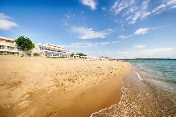 Suneo Helios Beach