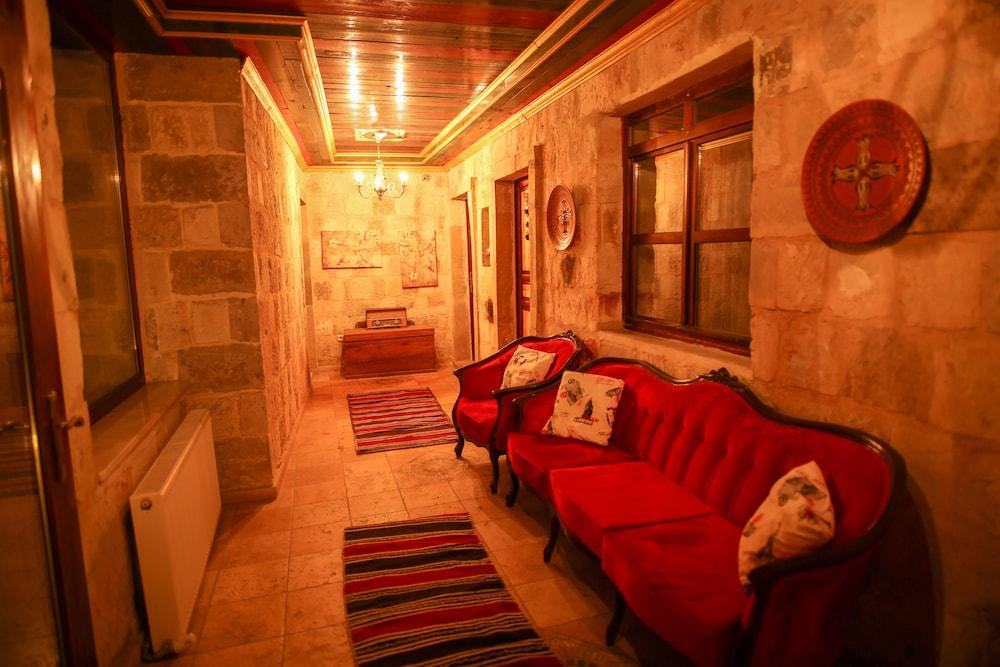 Bedrock Cave Hotel (adults Only)