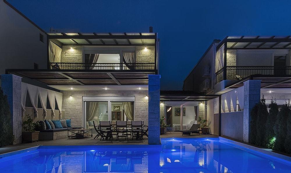 Sunny Villas Exclusive