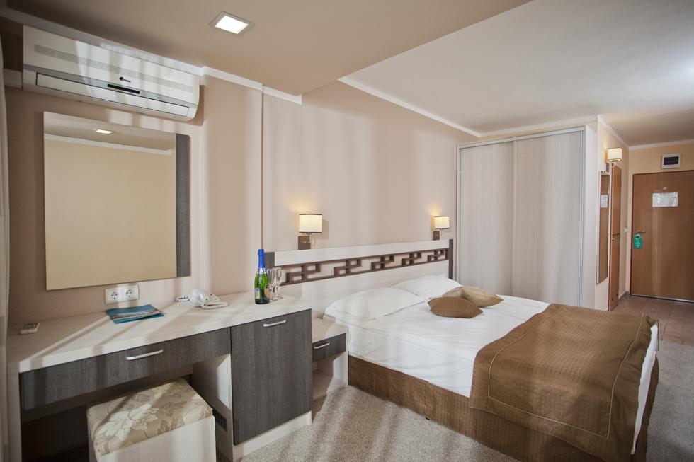 DIT Evrika Beach Club Hotel
