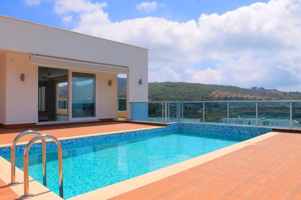 Villa Carlijn Met Prive-zwembad, Veel Privacy En Panoramisch Uitzicht Op Zee, Op Luxe Resort