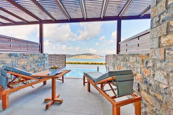 Royal Marmin Bay Boutique & Art Hotel -