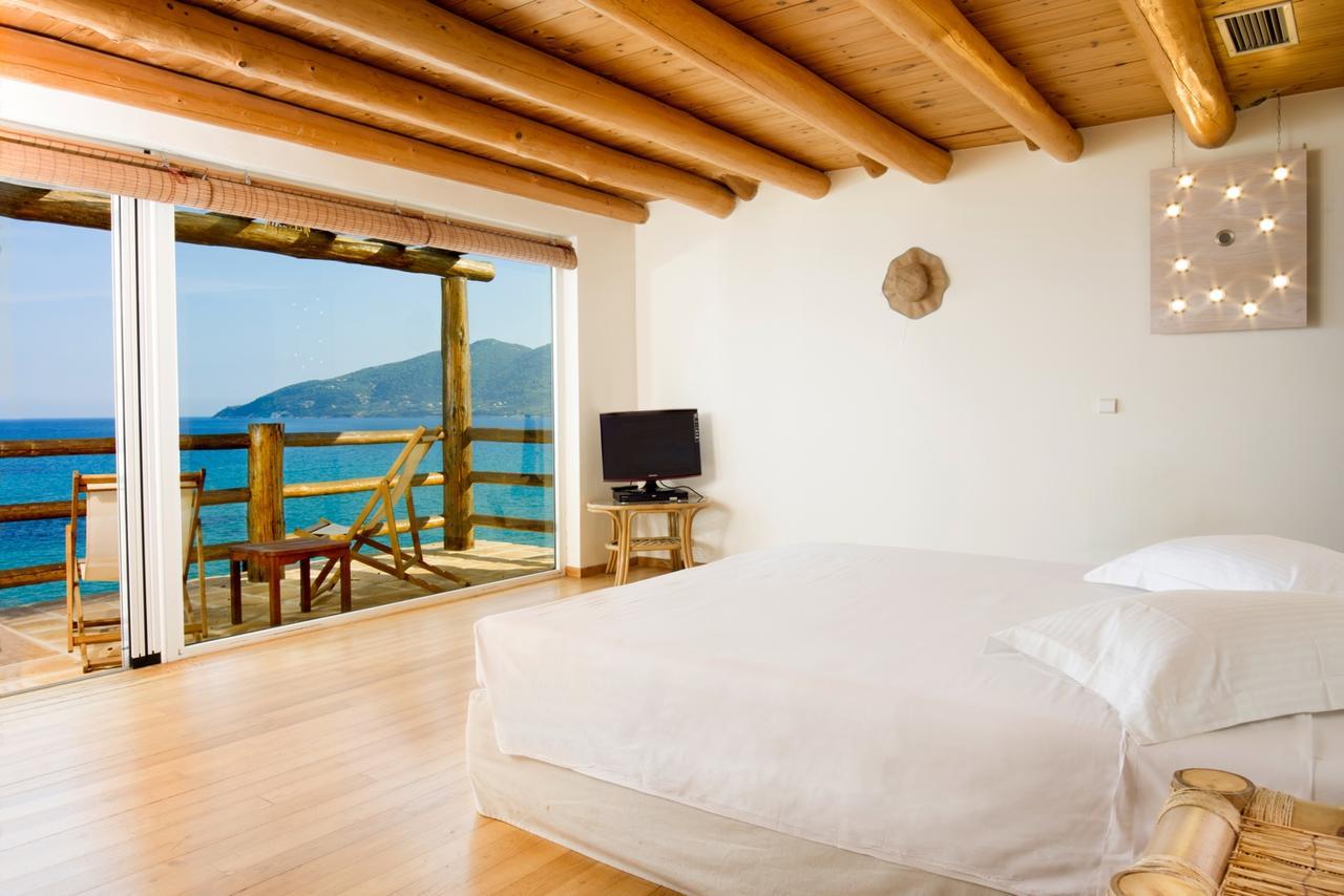Gloria Maris Hotel Suites
