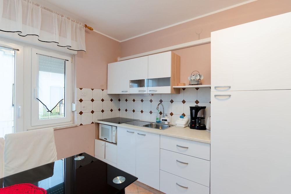 Apartments And Room Mirjana