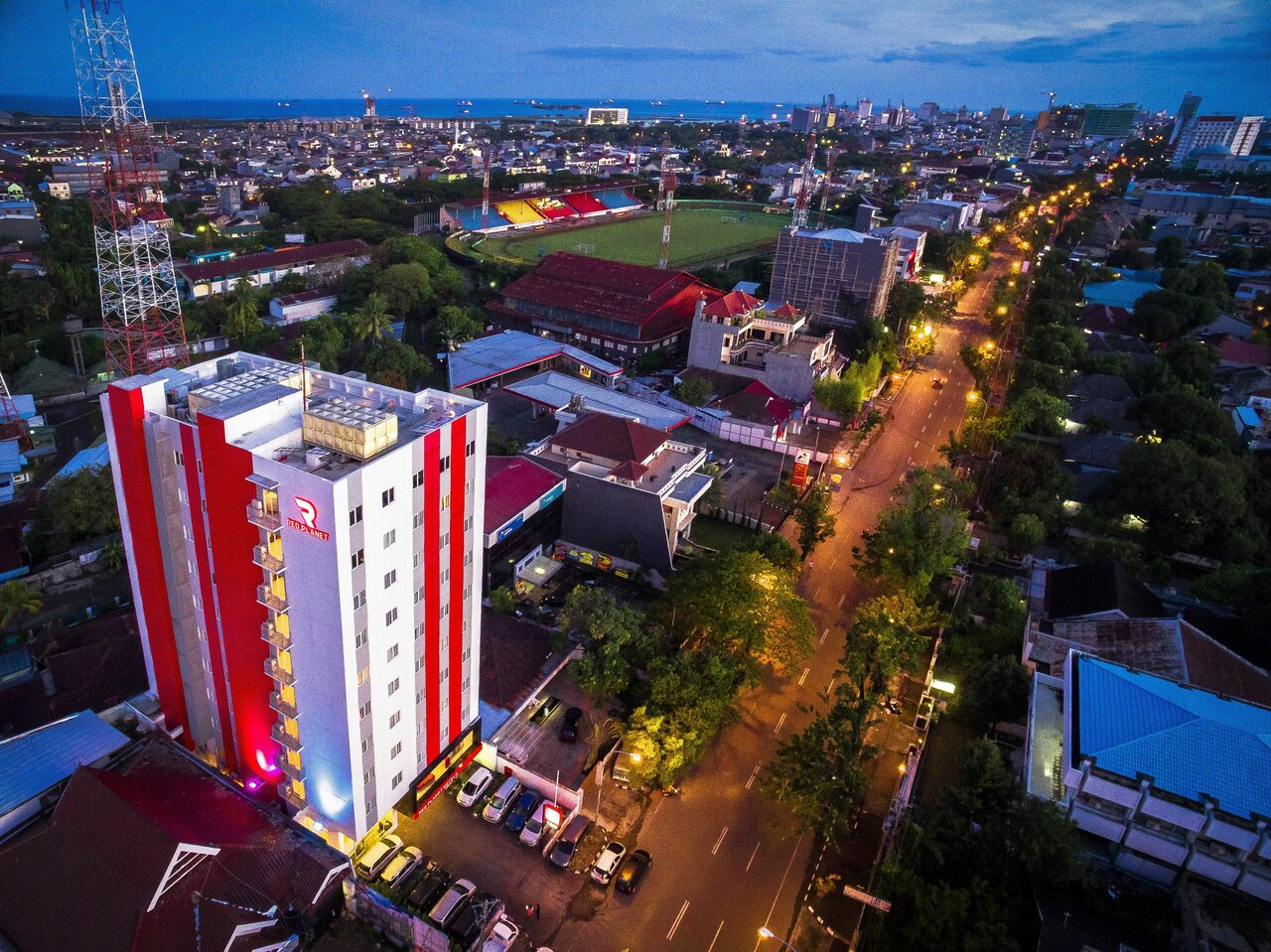 Red Planet Makassar (formerly Tune Hotel Makassar)
