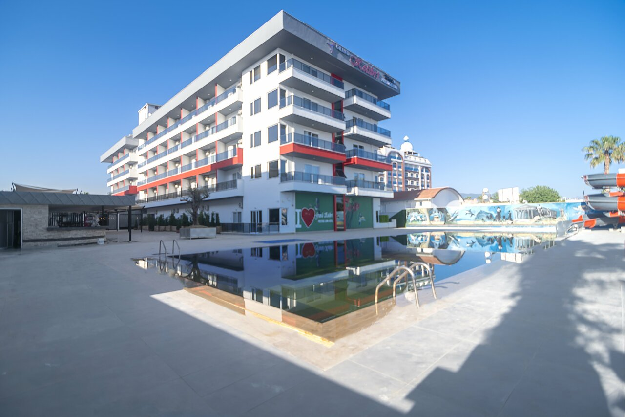 Grand Kolibri Prestige Hotel