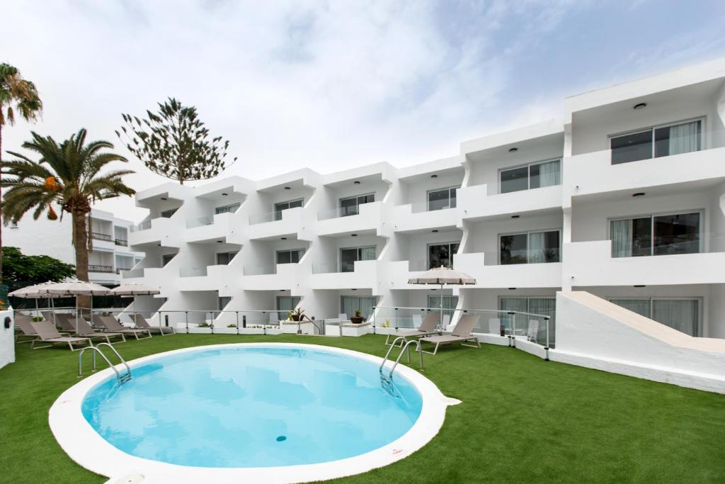 Guatiza Apartments