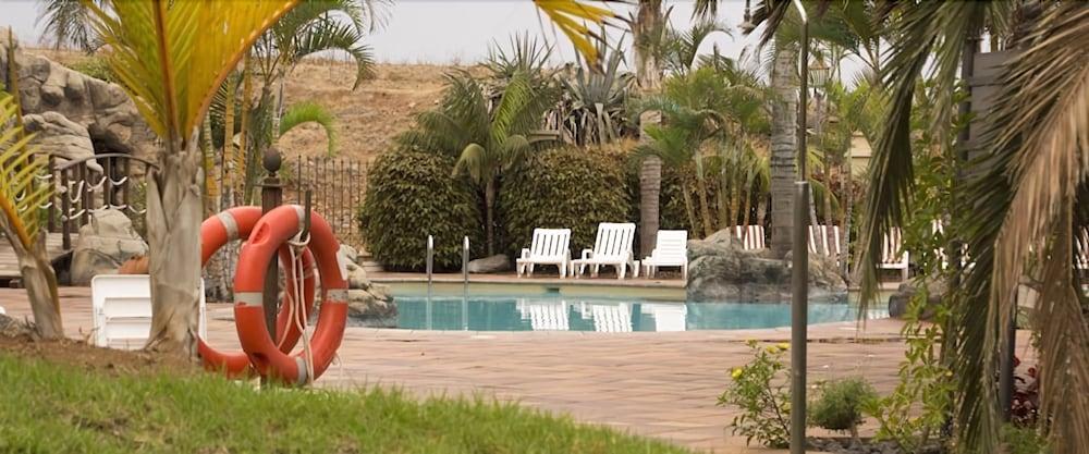 Apartamentos Playa De Los Roques