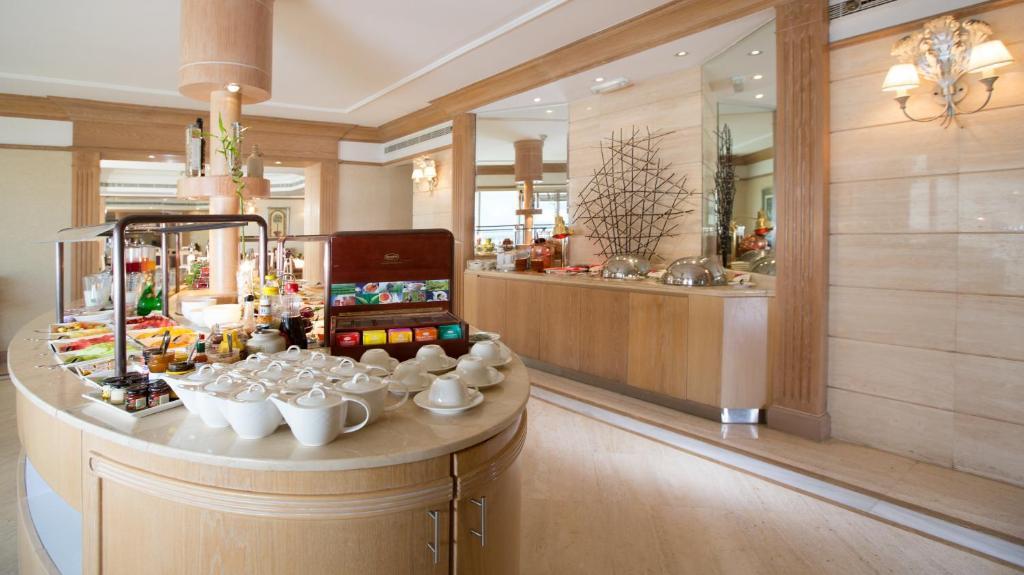 Crowne Plaza Dubai Hotel - Sheikh Zayed Road