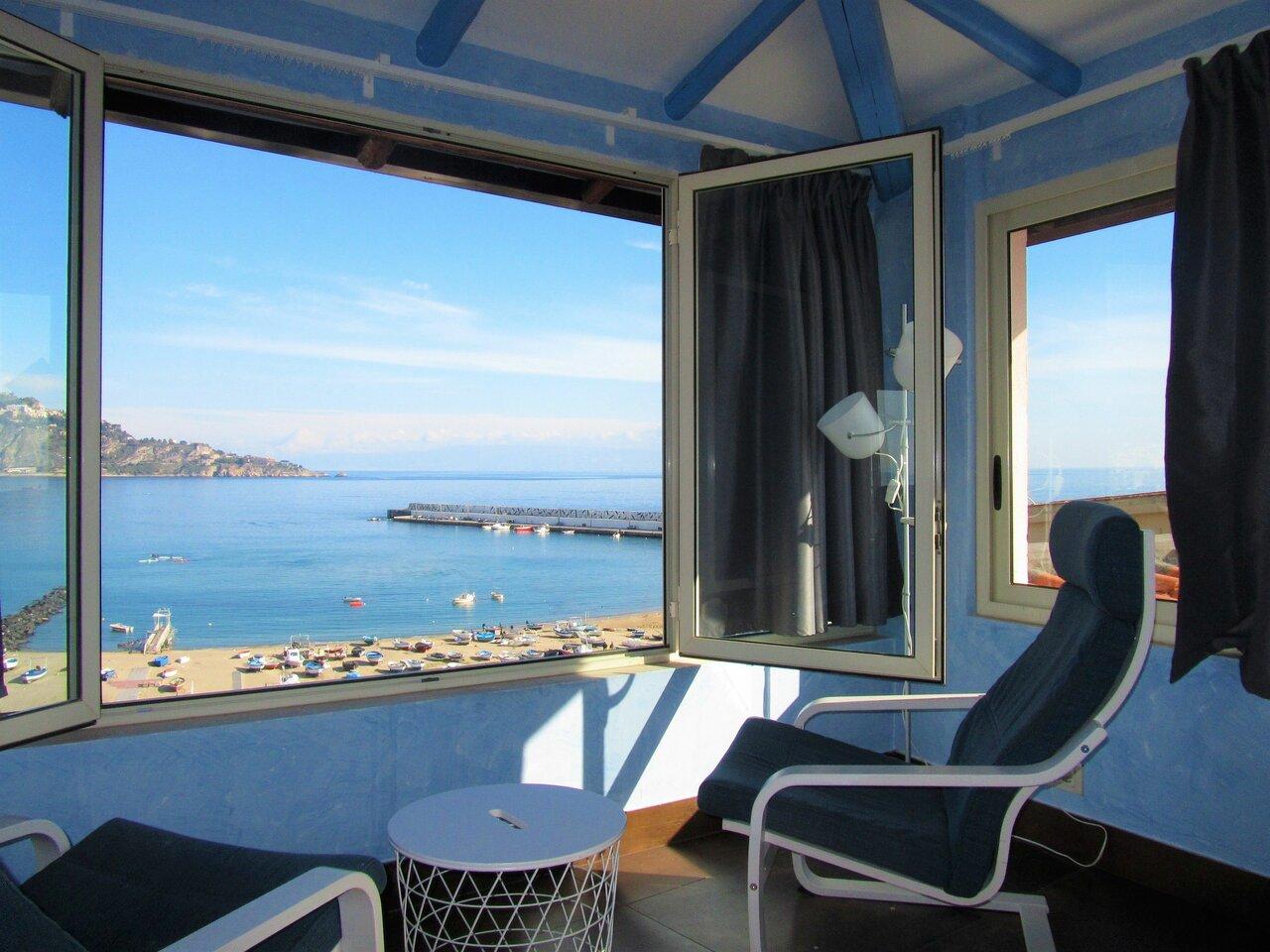 Come In Sicily - Naxos Bay