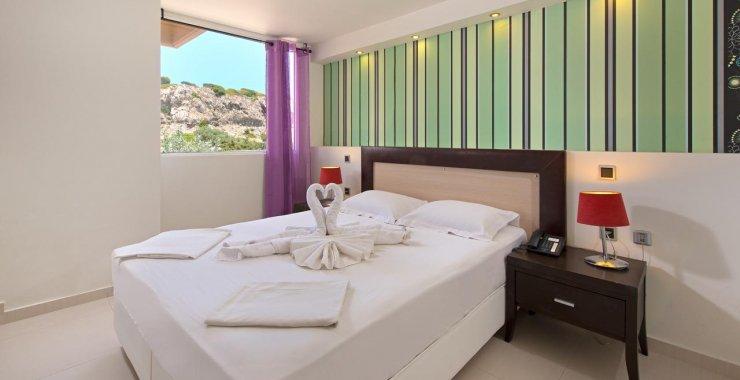 Delfinia Resort