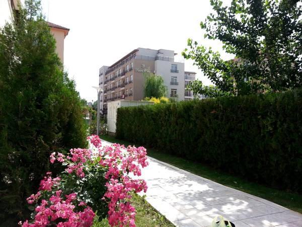 Menada Eden Apartments