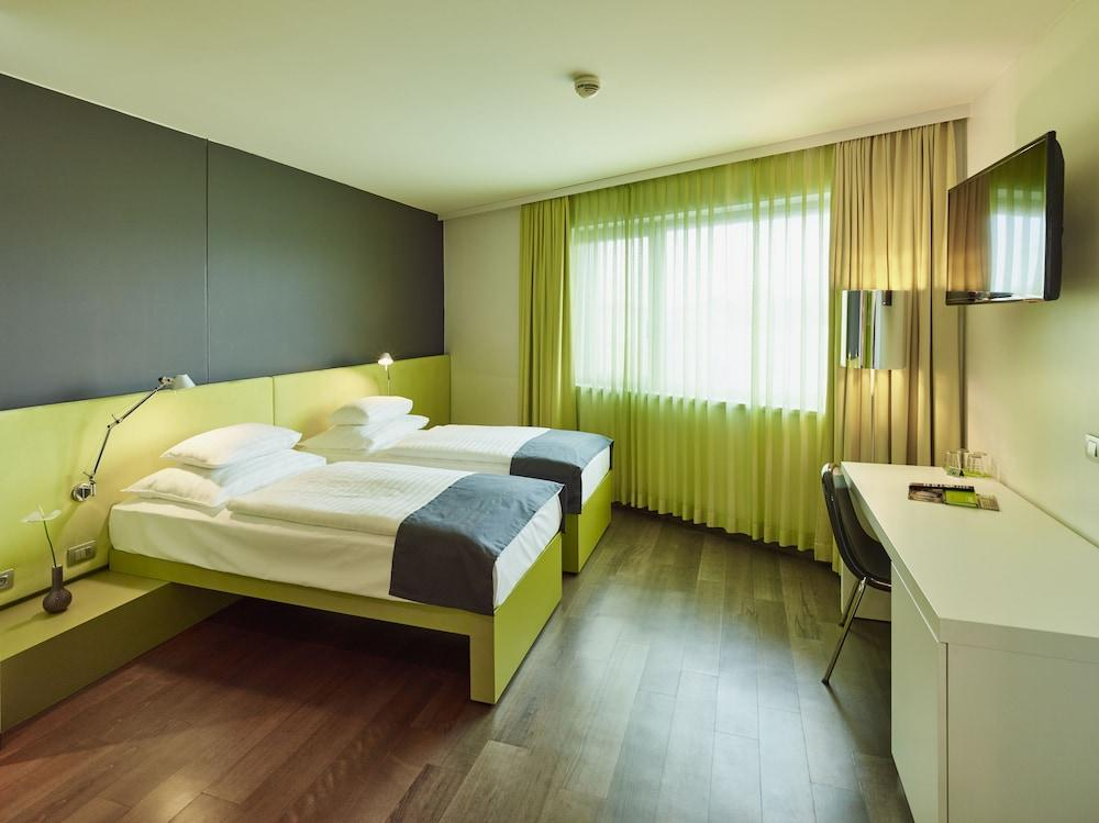 Roomz Vienna Hotel