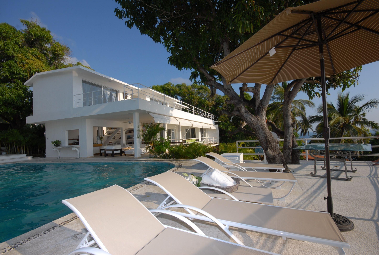 Donde Mira El Sol Senior Living Resort