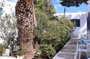Aphrodite Garden Studios And Olympia Annex