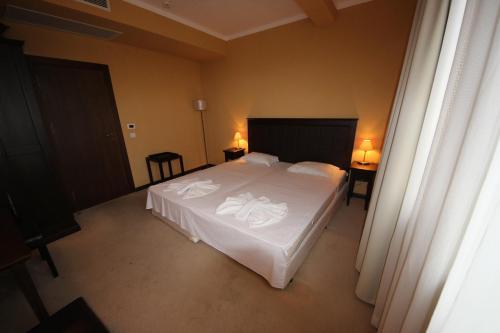 Menada Apartments In Royal Beach