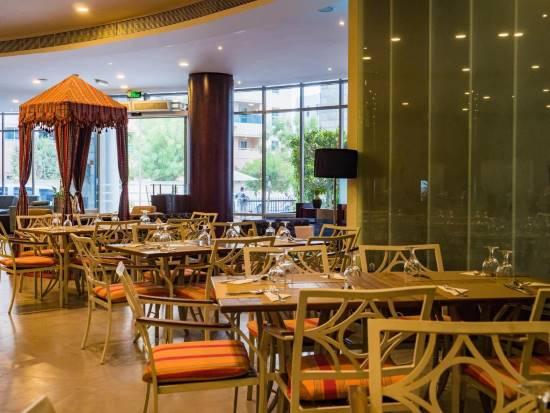 SIGNATURE HOTEL APARTMENTS AND SPA DUBAI MARINA