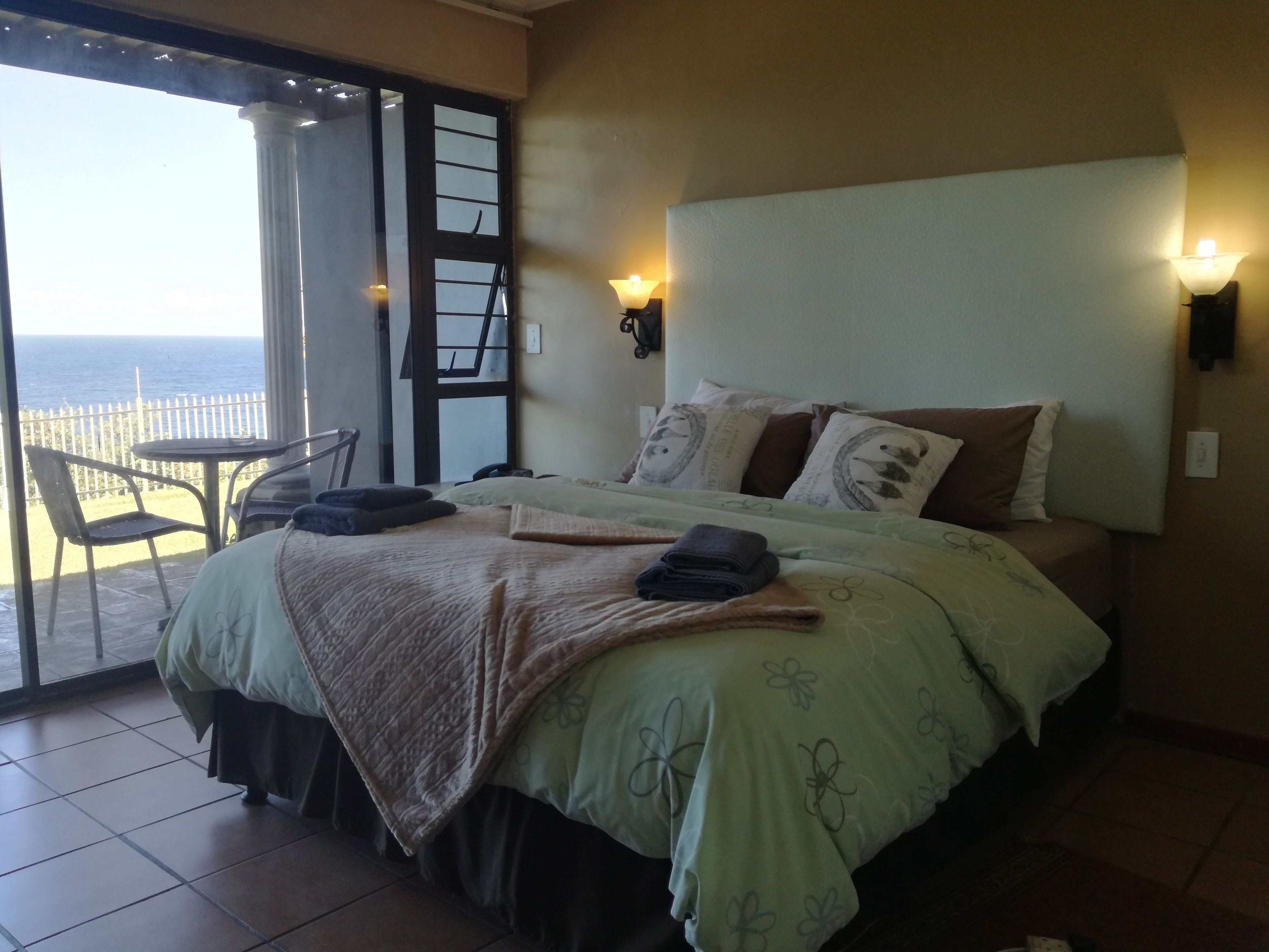 Dolphin Point Bed And Breakfast