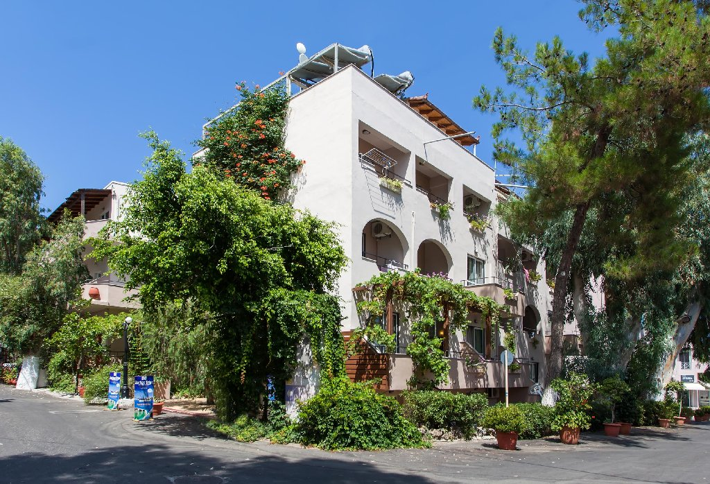 ZORBAS APARTMENTS