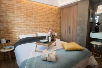 Kyveli Luxury Suites