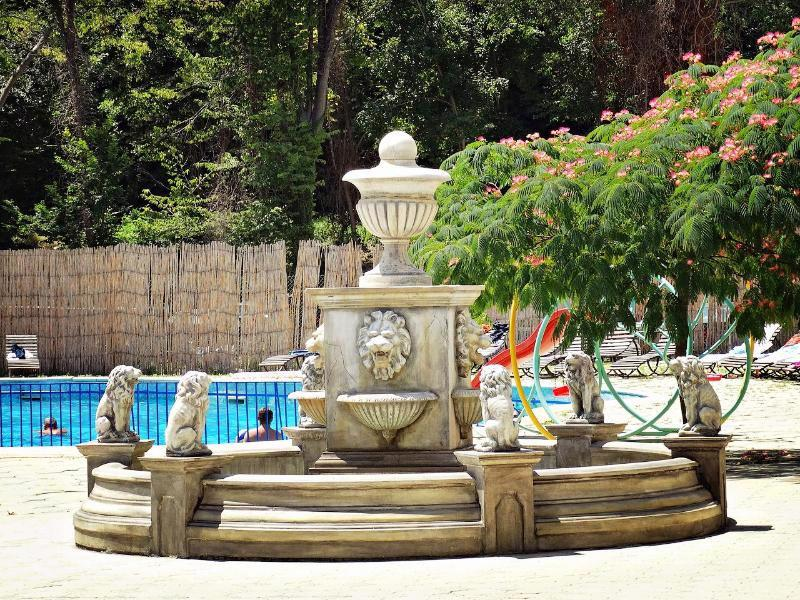 Dana Palace Park