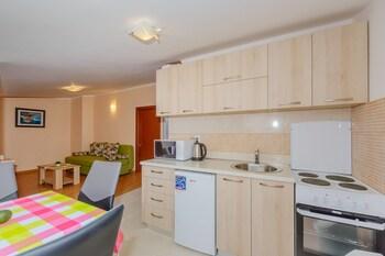 Paradise Bay Apartments