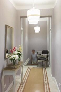 Dd Luxury House