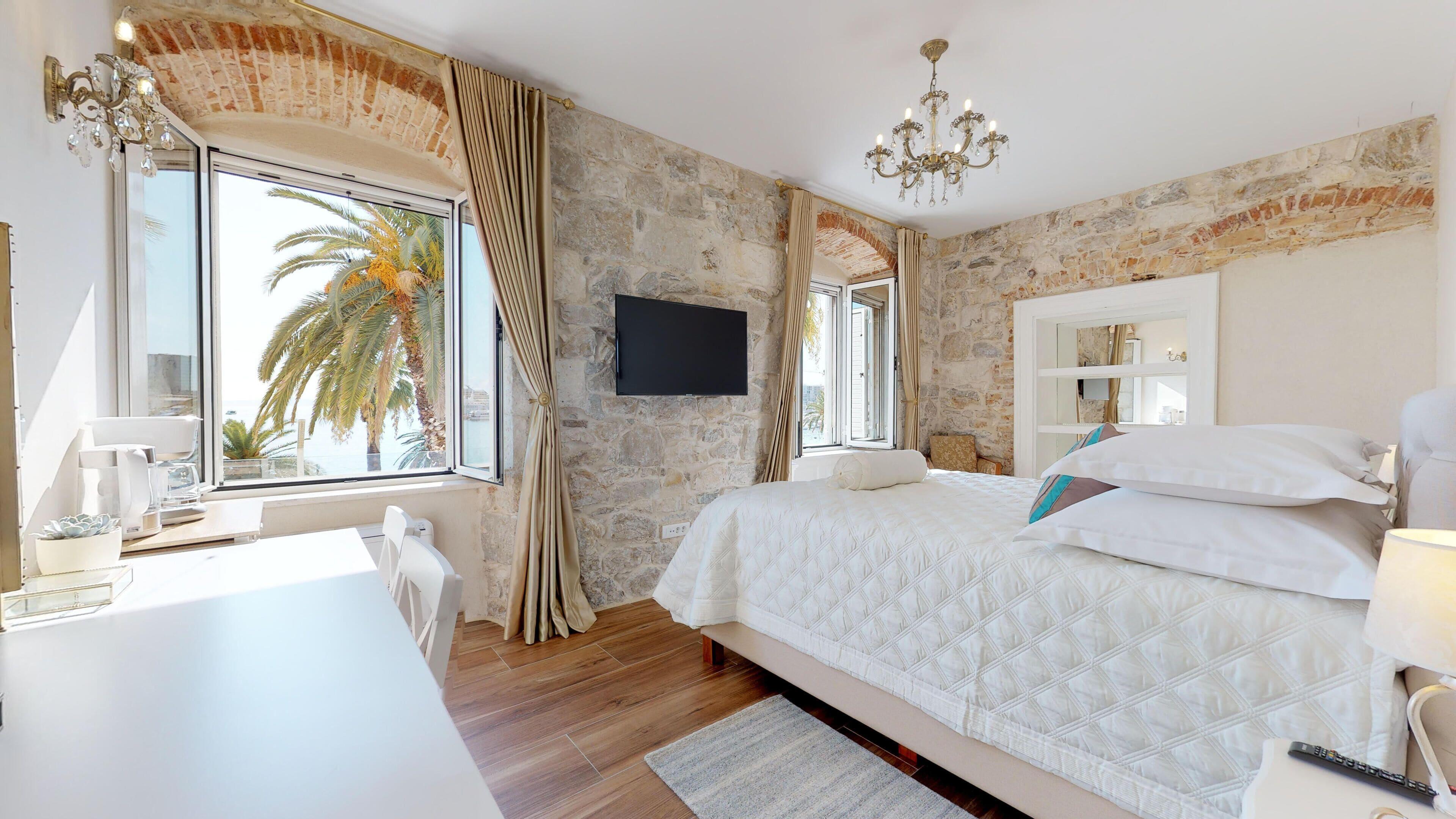 Chrysanta Apartments