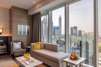 Taj Jumeirah Lake Towers
