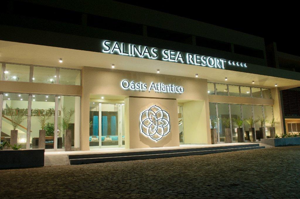 Oasis Atlantico Salinas  Sea
