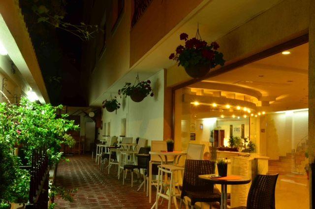 HOTEL EURO HOTELS INTERNATIONAL AVERESCU (ARCUL DE TRIUMF)