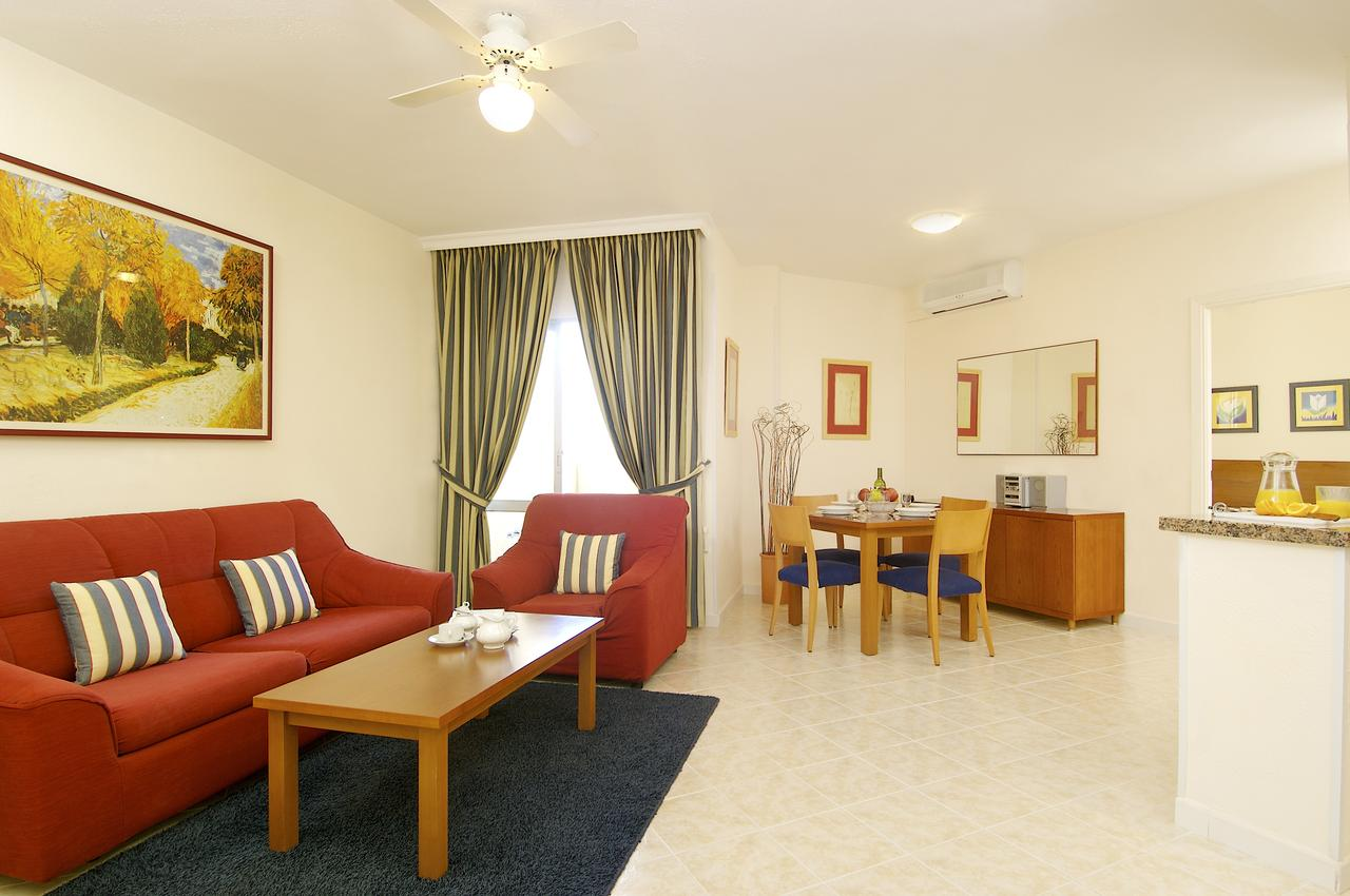Select Benal Beach Apartments