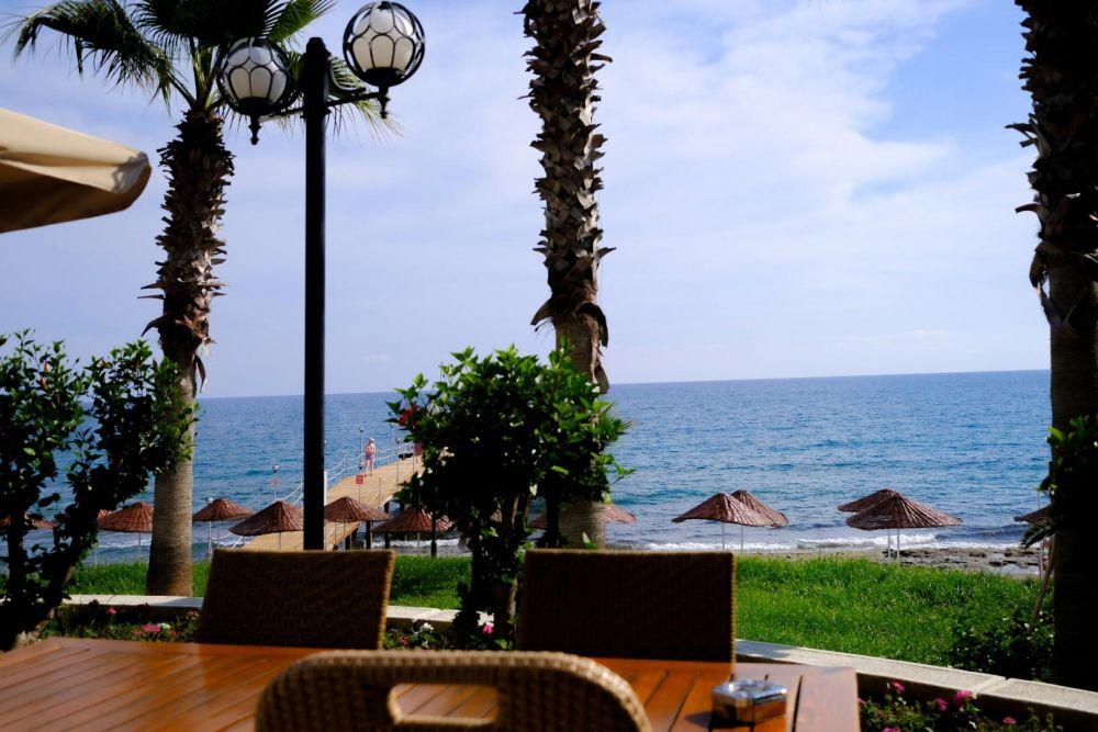 Anitas Beach Hotel
