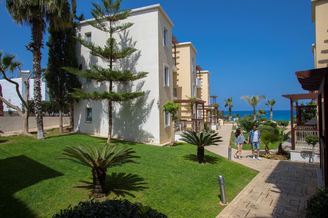 Hotel Louis Althea Beach