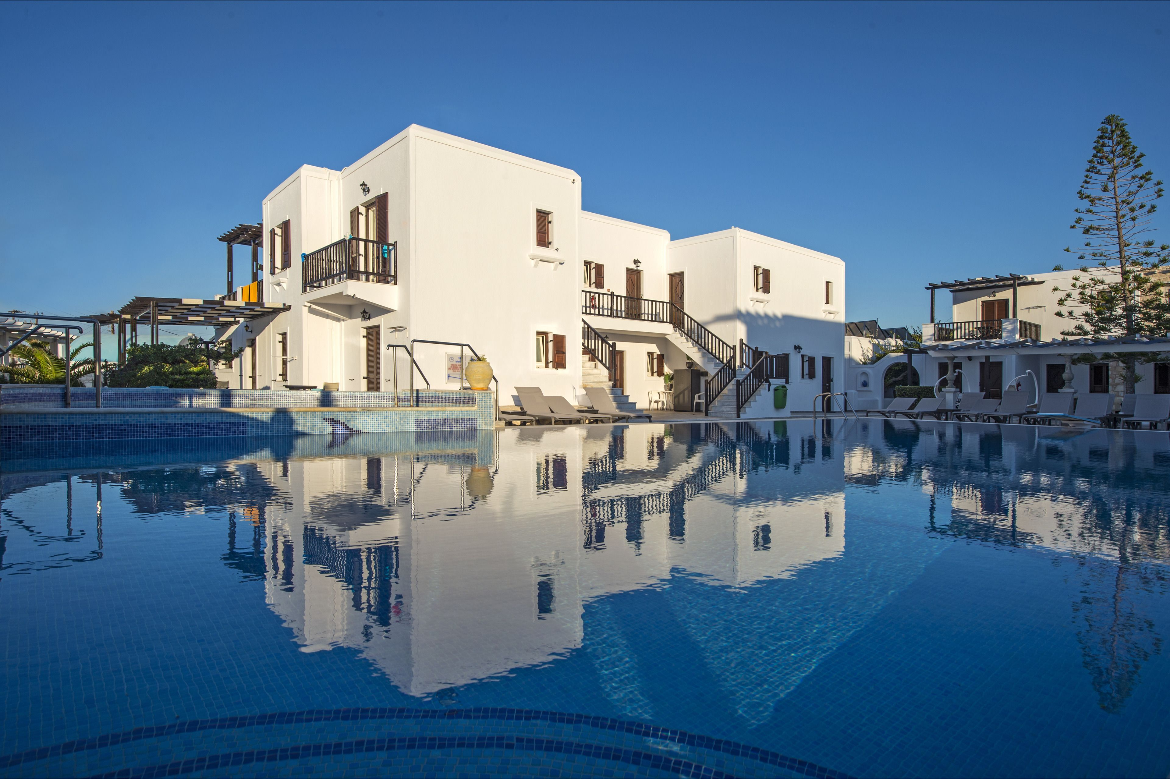 Contaratos Beach Hotel