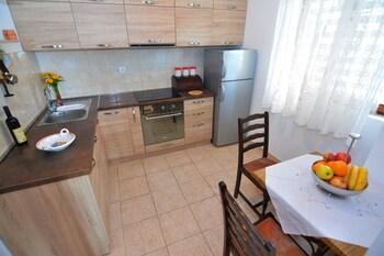 Apartments And Rooms Vanja