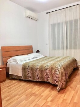 Rooms Dionis