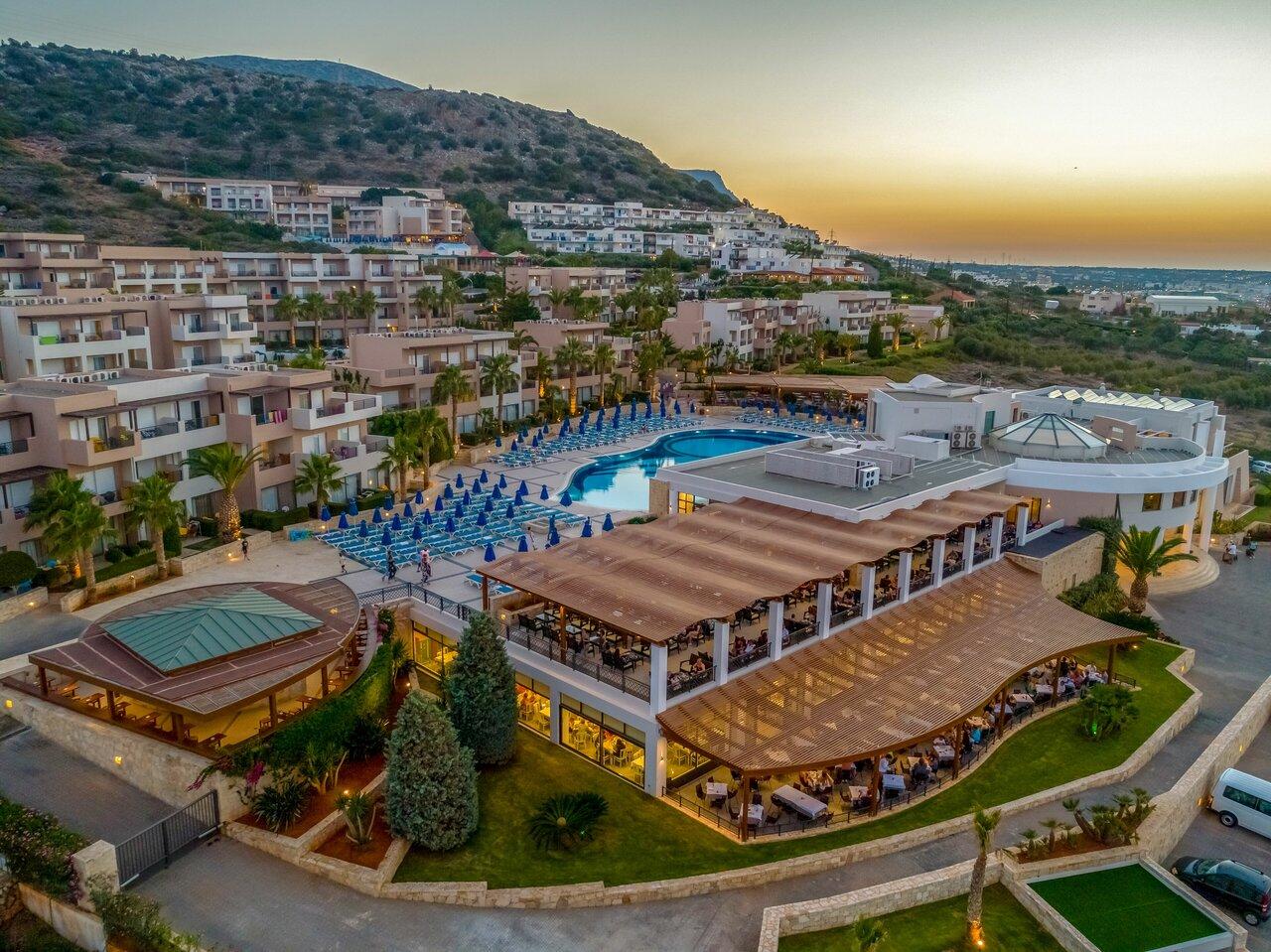 Grand Hotel Holiday Resort